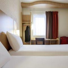 Отель ibis Maine Montparnasse сейф в номере
