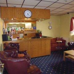 Отель The Kingscliff гостиничный бар