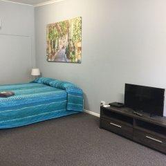 Отель Clarence Head Caravan Park Австралия, Илука - отзывы, цены и фото номеров - забронировать отель Clarence Head Caravan Park онлайн сейф в номере