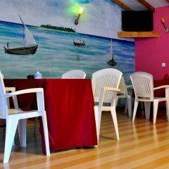 Отель Holiday Cottage Мальдивы, Северный атолл Мале - отзывы, цены и фото номеров - забронировать отель Holiday Cottage онлайн гостиничный бар