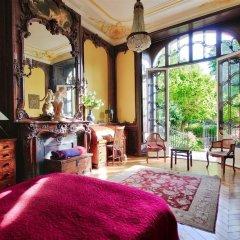 Апартаменты Luxury apartment - garden access Monceau гостиничный бар