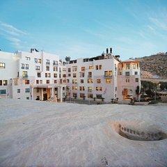 Отель Movenpick Resort Petra Иордания, Вади-Муса - 1 отзыв об отеле, цены и фото номеров - забронировать отель Movenpick Resort Petra онлайн парковка