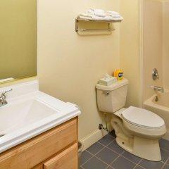 Отель Americas Best Value Inn Three Rivers ванная