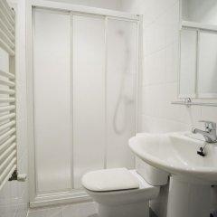 Отель IAKAI Homes Latina Испания, Мадрид - отзывы, цены и фото номеров - забронировать отель IAKAI Homes Latina онлайн ванная