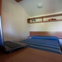 Отель Camping Village Lake Placid Сильви сейф в номере