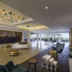Отель Sealine Beach - a Murwab Resort гостиничный бар