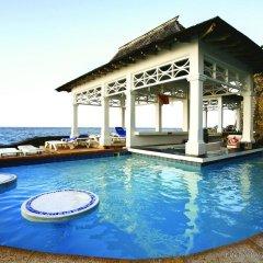 Отель Couples Tower Isle All Inclusive бассейн
