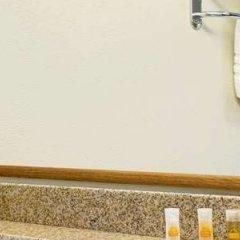 Отель Days Inn by Wyndham Bloomington West США, Блумингтон - отзывы, цены и фото номеров - забронировать отель Days Inn by Wyndham Bloomington West онлайн ванная фото 2