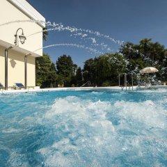 Отель Due Torri Италия, Абано-Терме - отзывы, цены и фото номеров - забронировать отель Due Torri онлайн бассейн фото 3
