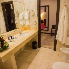 Гостиница Петро Палас 5* Стандартный номер с двуспальной кроватью фото 11