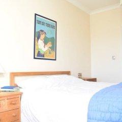 Отель 2 Bedroom Flat Next to Brockwell Park Великобритания, Лондон - отзывы, цены и фото номеров - забронировать отель 2 Bedroom Flat Next to Brockwell Park онлайн комната для гостей фото 4