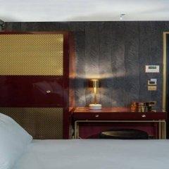 Отель Snob Hotel by Elegancia Франция, Париж - 2 отзыва об отеле, цены и фото номеров - забронировать отель Snob Hotel by Elegancia онлайн сейф в номере
