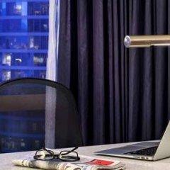 Отель Hyatt Regency Vancouver Канада, Ванкувер - 2 отзыва об отеле, цены и фото номеров - забронировать отель Hyatt Regency Vancouver онлайн в номере