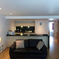 Апартаменты Tolbooth Apartments комната для гостей
