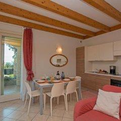 Отель Montecolo Resort Манерба-дель-Гарда в номере фото 2