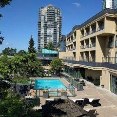 Отель Executive Hotel & Conference Center, Burnaby Канада, Бурнаби - отзывы, цены и фото номеров - забронировать отель Executive Hotel & Conference Center, Burnaby онлайн бассейн фото 2
