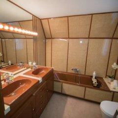 Отель Chateau Rouge En Sierra Nevada Сьерра-Невада ванная