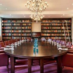 Fleming's Conference Hotel Frankfurt развлечения
