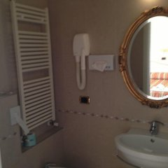 Отель Elisir Италия, Римини - отзывы, цены и фото номеров - забронировать отель Elisir онлайн ванная фото 2