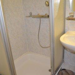 Отель A La Grande Cloche Бельгия, Брюссель - 1 отзыв об отеле, цены и фото номеров - забронировать отель A La Grande Cloche онлайн ванная фото 2