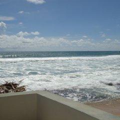 Отель Nippon Villa Beach Resort Хиккадува пляж