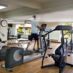 Отель Diamond Westlake Suites Ханой фитнесс-зал