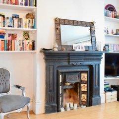 Отель Charming 1 Bedroom Property Next to Hampstead Heath развлечения