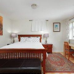 Отель Private and Cozy Home in Kerrisdale Канада, Ванкувер - отзывы, цены и фото номеров - забронировать отель Private and Cozy Home in Kerrisdale онлайн комната для гостей фото 2