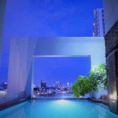 Grand Howard Hotel бассейн