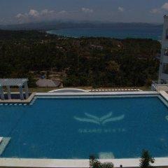 Отель Boracay Grand Vista Resort & Spa Филиппины, остров Боракай - отзывы, цены и фото номеров - забронировать отель Boracay Grand Vista Resort & Spa онлайн бассейн фото 2