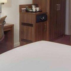 Отель DoubleTree by Hilton Hotel London - Chelsea Великобритания, Лондон - 1 отзыв об отеле, цены и фото номеров - забронировать отель DoubleTree by Hilton Hotel London - Chelsea онлайн сейф в номере