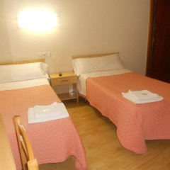 Отель Hostal Olga Испания, Мадрид - 1 отзыв об отеле, цены и фото номеров - забронировать отель Hostal Olga онлайн комната для гостей фото 3
