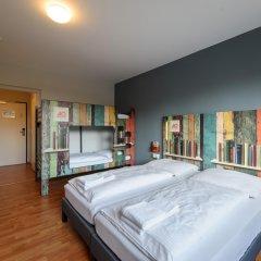 Отель a&o Berlin Kolumbus Германия, Берлин - 2 отзыва об отеле, цены и фото номеров - забронировать отель a&o Berlin Kolumbus онлайн комната для гостей фото 3