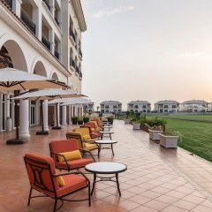 Отель Al Habtoor Polo Resort бассейн фото 3