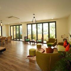 Отель Hoa Co Villas интерьер отеля