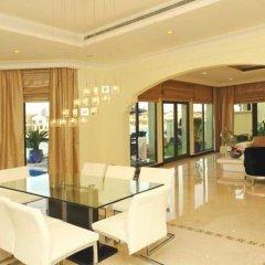 Отель Kennedy Towers - Frond E Villa интерьер отеля