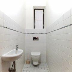 Отель Gallery Hostel Чехия, Прага - отзывы, цены и фото номеров - забронировать отель Gallery Hostel онлайн ванная фото 2