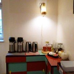 Отель Hostel Boudnik Чехия, Прага - 1 отзыв об отеле, цены и фото номеров - забронировать отель Hostel Boudnik онлайн питание фото 2