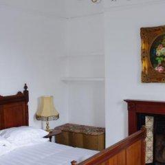 Отель The Pelton Arms сейф в номере
