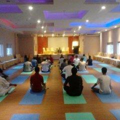 Отель Hilltake Wellness Resort and Spa Непал, Бхактапур - отзывы, цены и фото номеров - забронировать отель Hilltake Wellness Resort and Spa онлайн фитнесс-зал