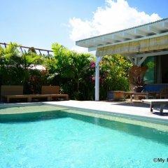 Отель Villa Maere Villa 1 Французская Полинезия, Пунаауиа - отзывы, цены и фото номеров - забронировать отель Villa Maere Villa 1 онлайн бассейн фото 2