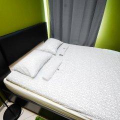 Хостел Landmark City Стандартный номер с двуспальной кроватью фото 10