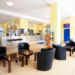 Отель a&o München Laim интерьер отеля