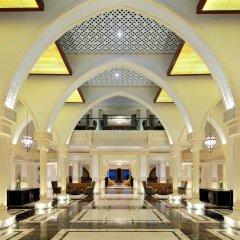 Отель Sheraton Sharjah Beach Resort & Spa ОАЭ, Шарджа - - забронировать отель Sheraton Sharjah Beach Resort & Spa, цены и фото номеров интерьер отеля фото 2