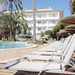 Отель Grupotel Alcudia Suite бассейн