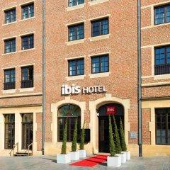 Отель Ibis Off Grand Place Брюссель вид на фасад