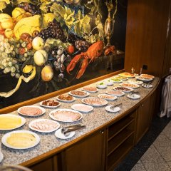 Отель Roma Латвия, Рига - - забронировать отель Roma, цены и фото номеров питание фото 2