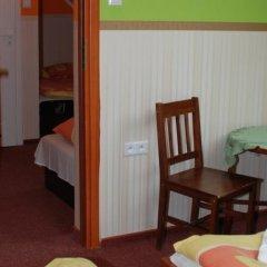 Отель Pokoje Goscinne Via Steso Гданьск сейф в номере