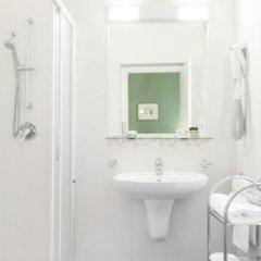 Отель Belvedere Италия, Вербания - отзывы, цены и фото номеров - забронировать отель Belvedere онлайн ванная фото 2