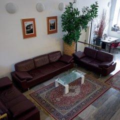 Hotel Emonec комната для гостей